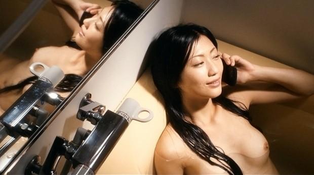 女優が映画で裸になってるシーン (5)