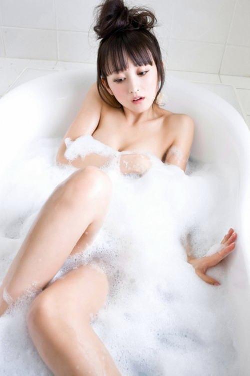 女優やアイドルの入浴シーン (6)