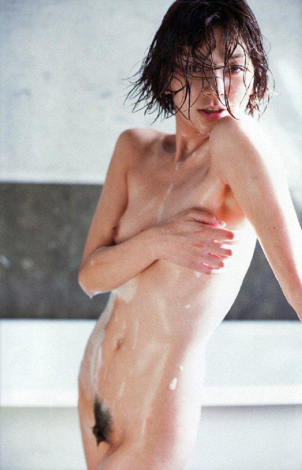 女優やアイドルの入浴シーン (14)
