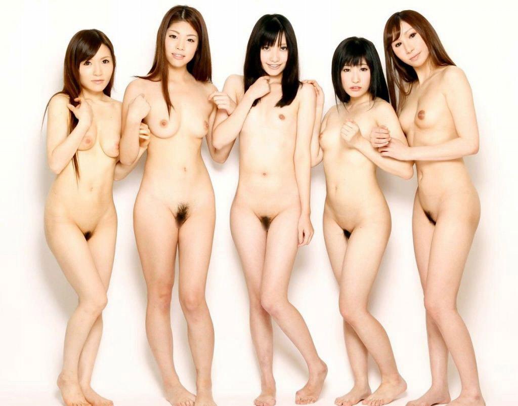 全裸美女たちが集まって撮影 (5)