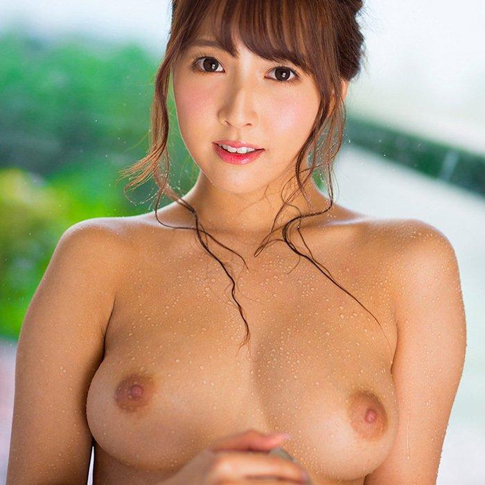 アイドルの笑顔で淫乱なSEX、三上悠亜 (1)
