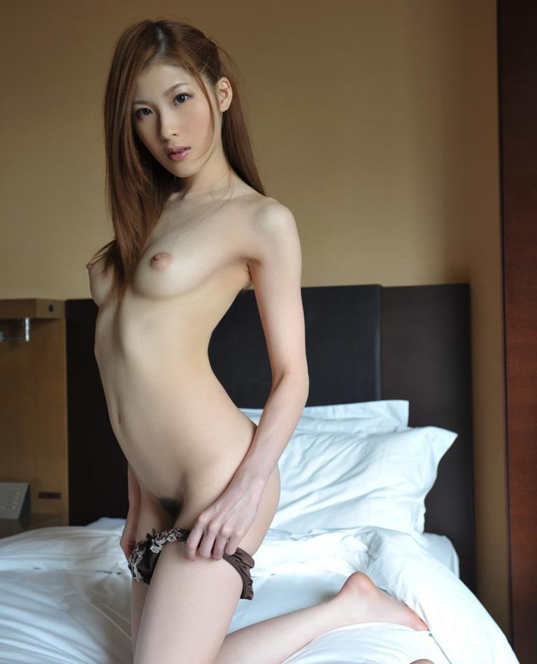 全裸のスレンダーボディ (9)