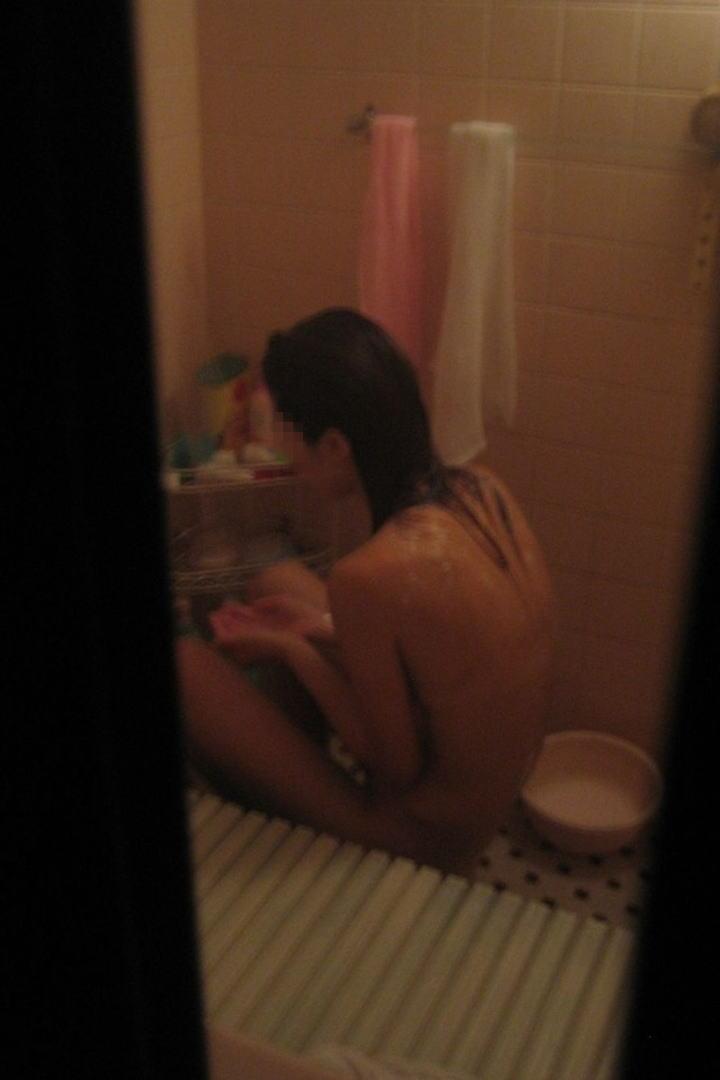 家風呂に全裸で入浴してる姿 (19)