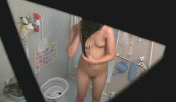 家風呂に全裸で入浴してる姿 (17)