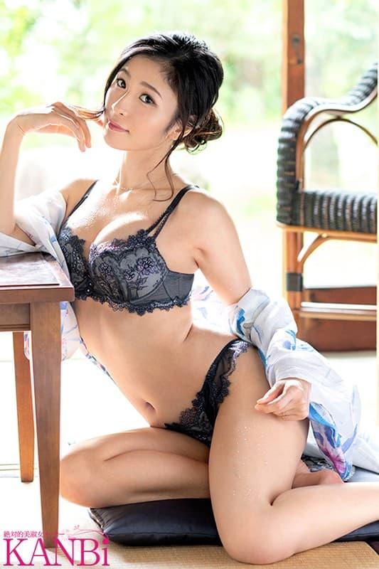 清楚な熟女が刺激的なSEX、米倉穂香 (5)