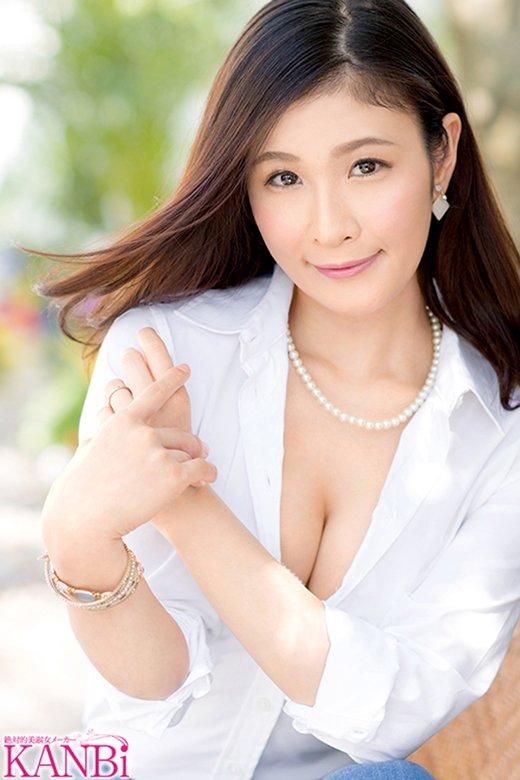 清楚な熟女が刺激的なSEX、米倉穂香 (3)