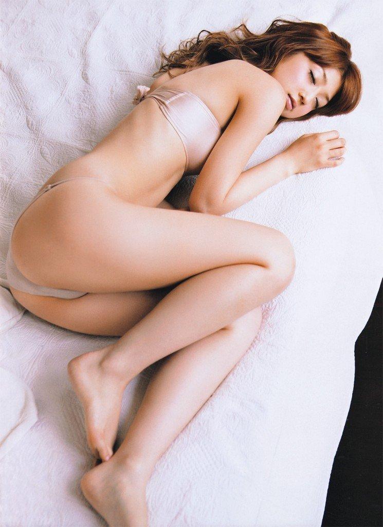 可愛い芸能人のセクシーな生足 (17)