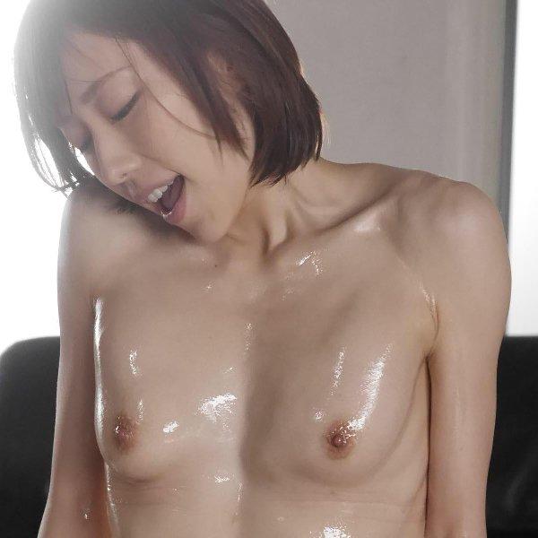 鍛えられたボディで激しくSEXする美女、七海ティナ (1)