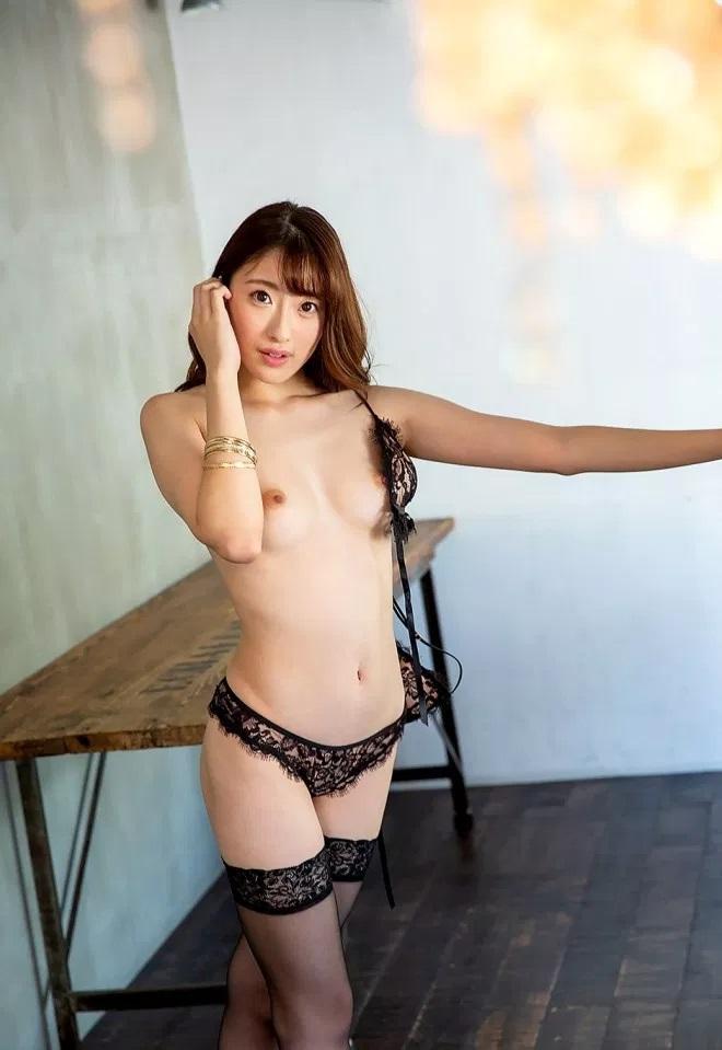 モデル系美女の淫乱SEX、星宮一花 (3)