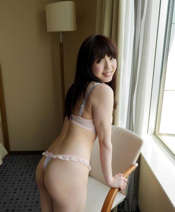 パイパン美少女の失禁SEX、かなで自由 (4)