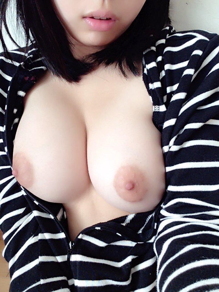 美巨乳を自撮りする女の子 (6)