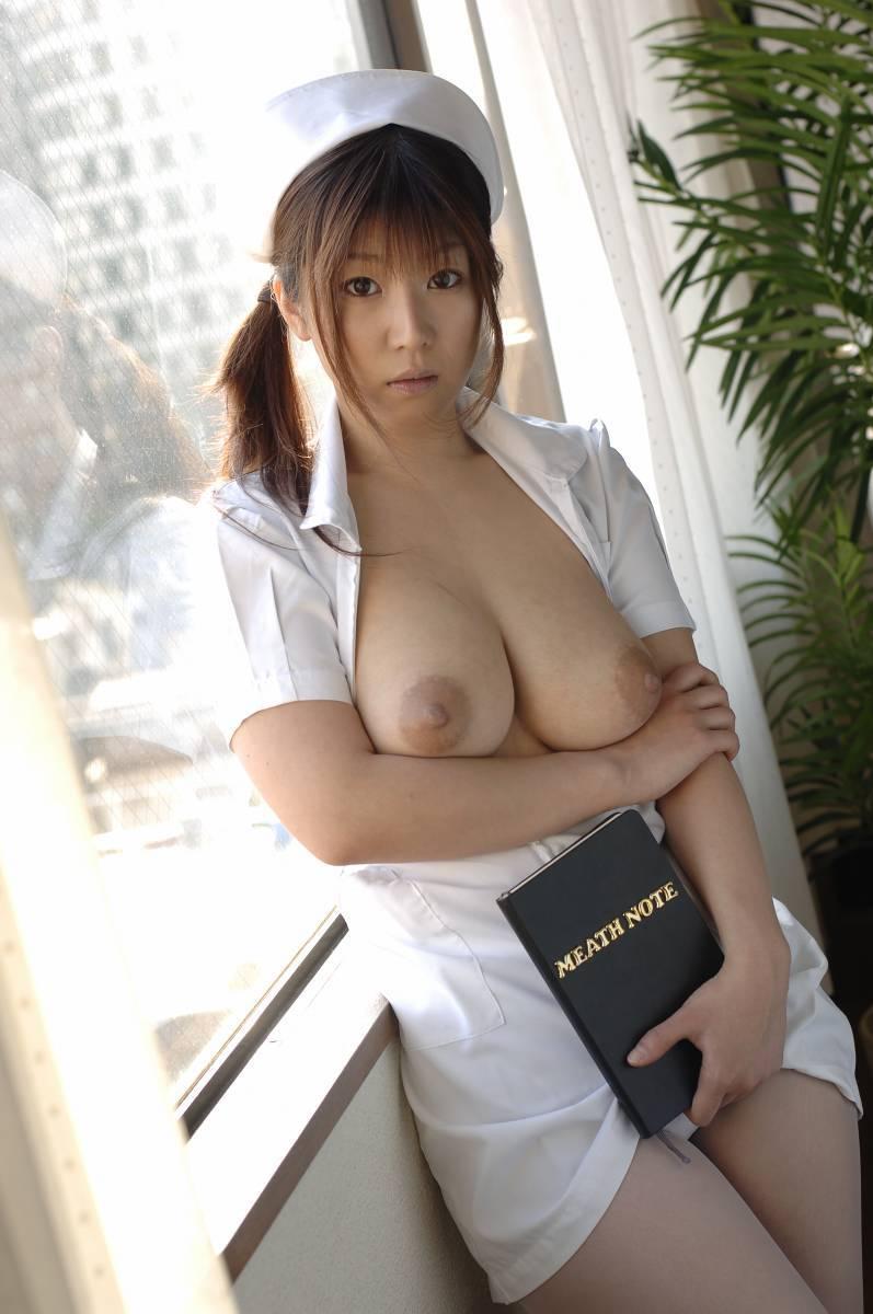 エッチな格好の看護婦さん (10)