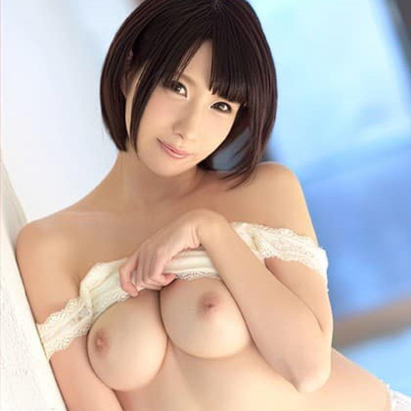 巨乳美人の濃厚SEX、鷹宮ゆい (1)