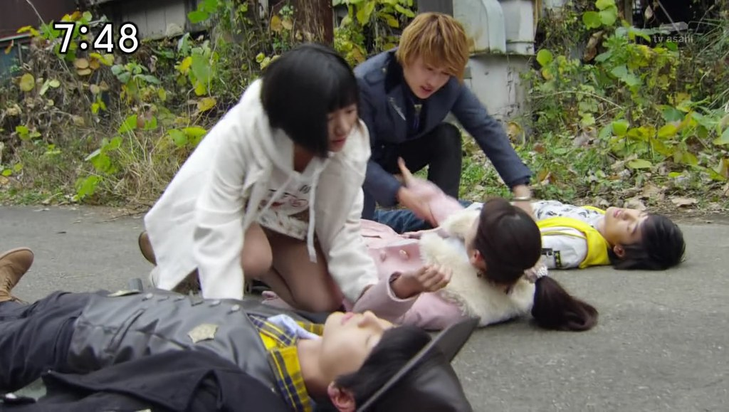 可愛い芸能人のエッチなパンチラ (15)