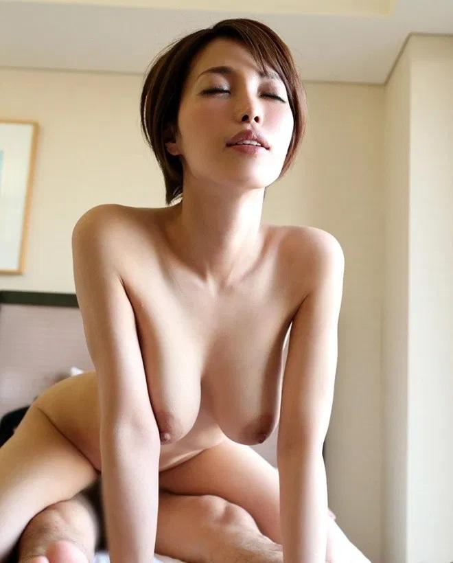 クール美女の豪快SEX、君島みお (8)