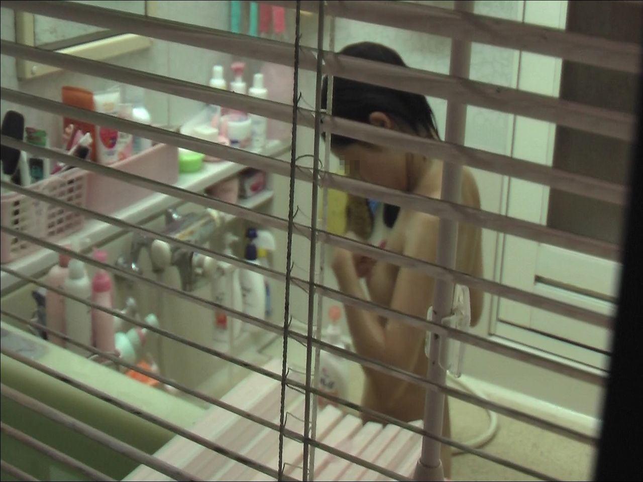 自宅で入浴中の素人さん (9)