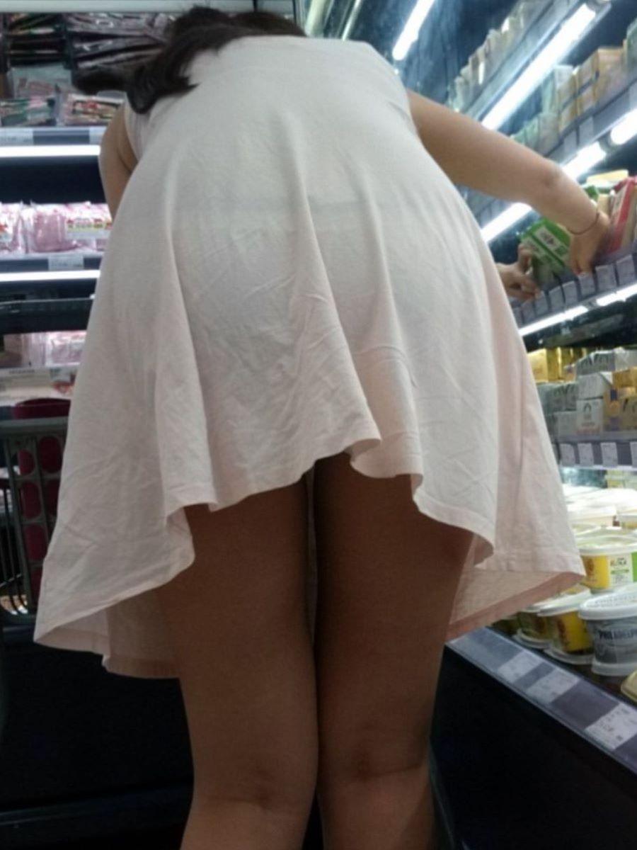 パンツが透けちゃうワンピース (10)