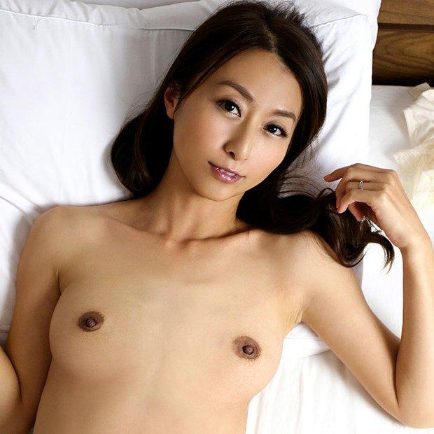 熟女の人妻が肉欲SEX、青木玲 (1)