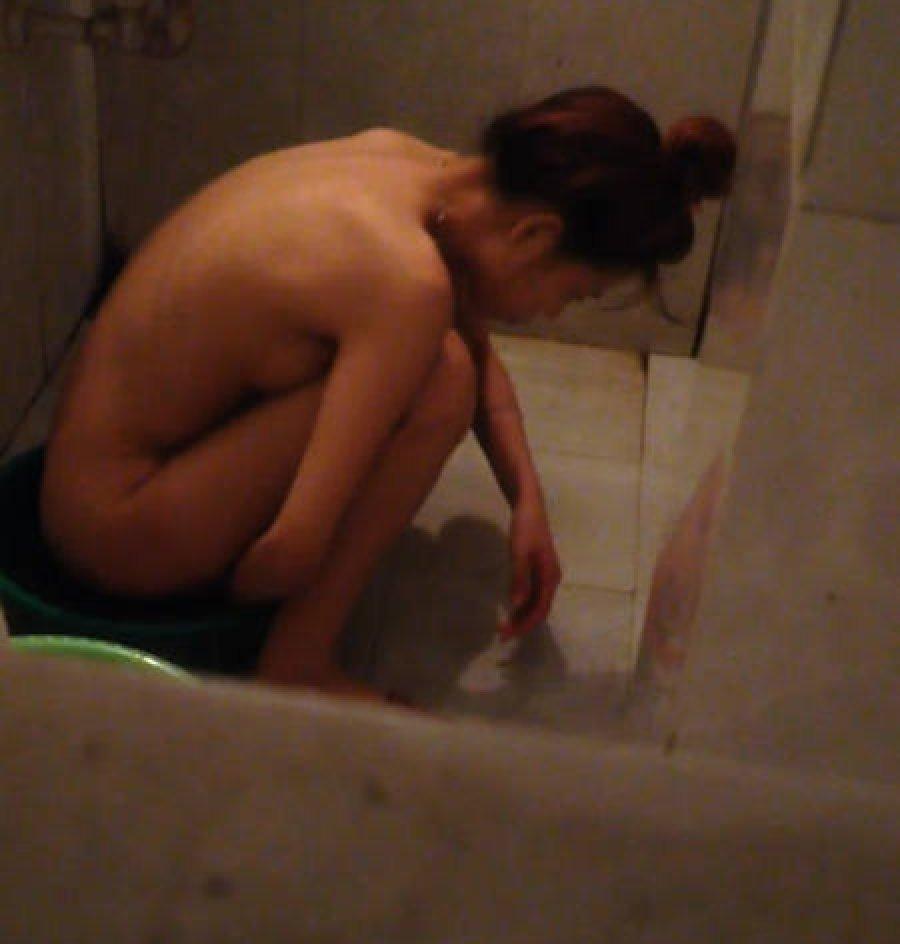 家風呂に入浴してる素人さん (19)