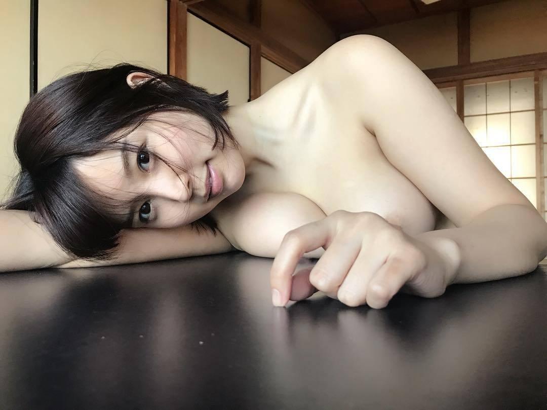 綺麗な顔と美しいオッパイ (19)