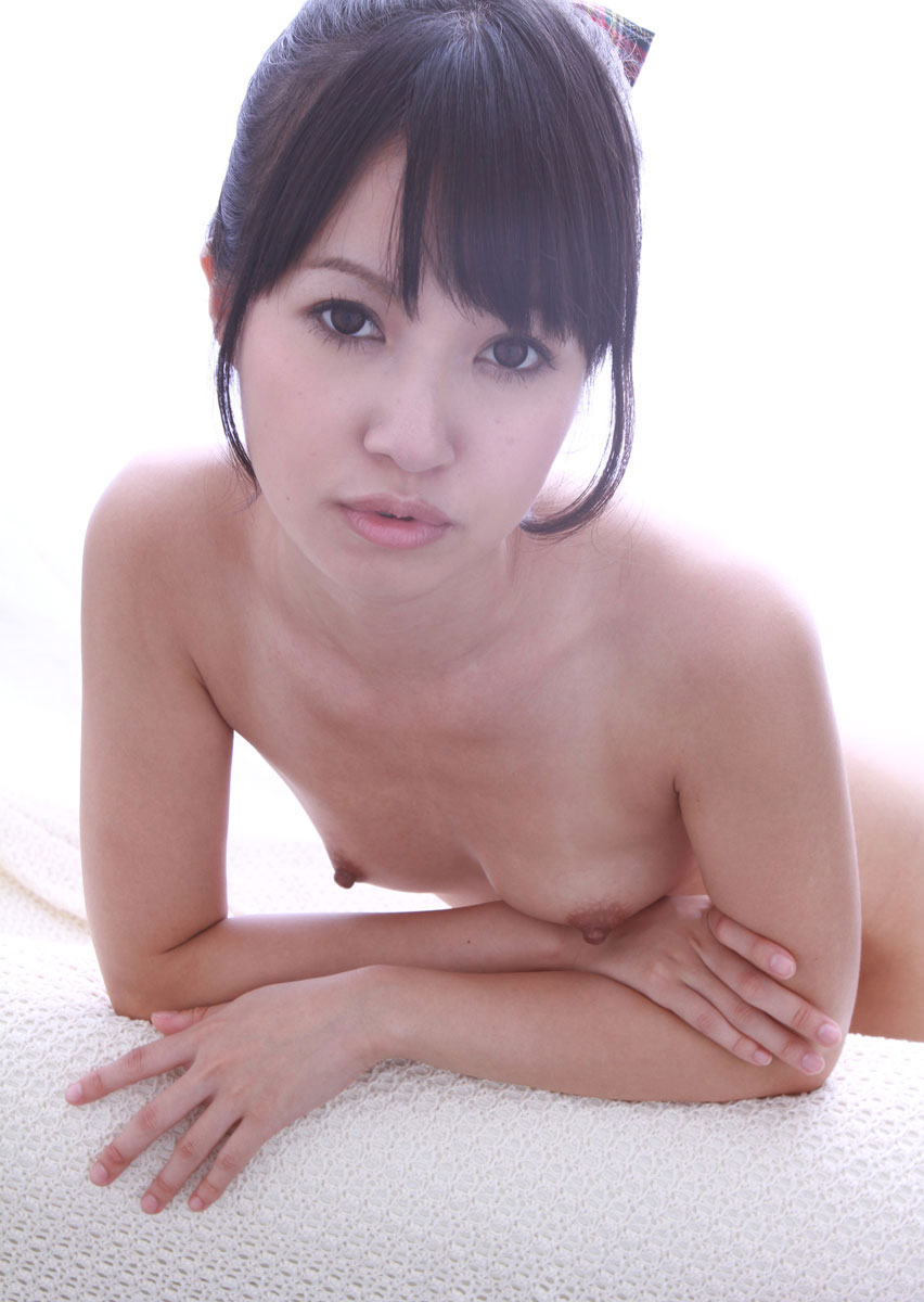 小さくても美しい貧乳 (9)