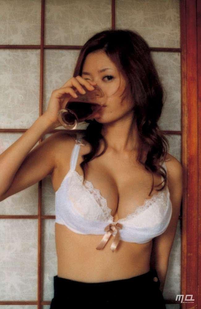 美人女優のセミヌード、真木よう子 (8)