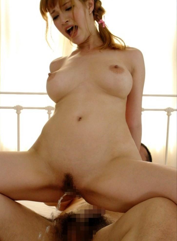 膣内を刺激して大量に潮吹き (18)
