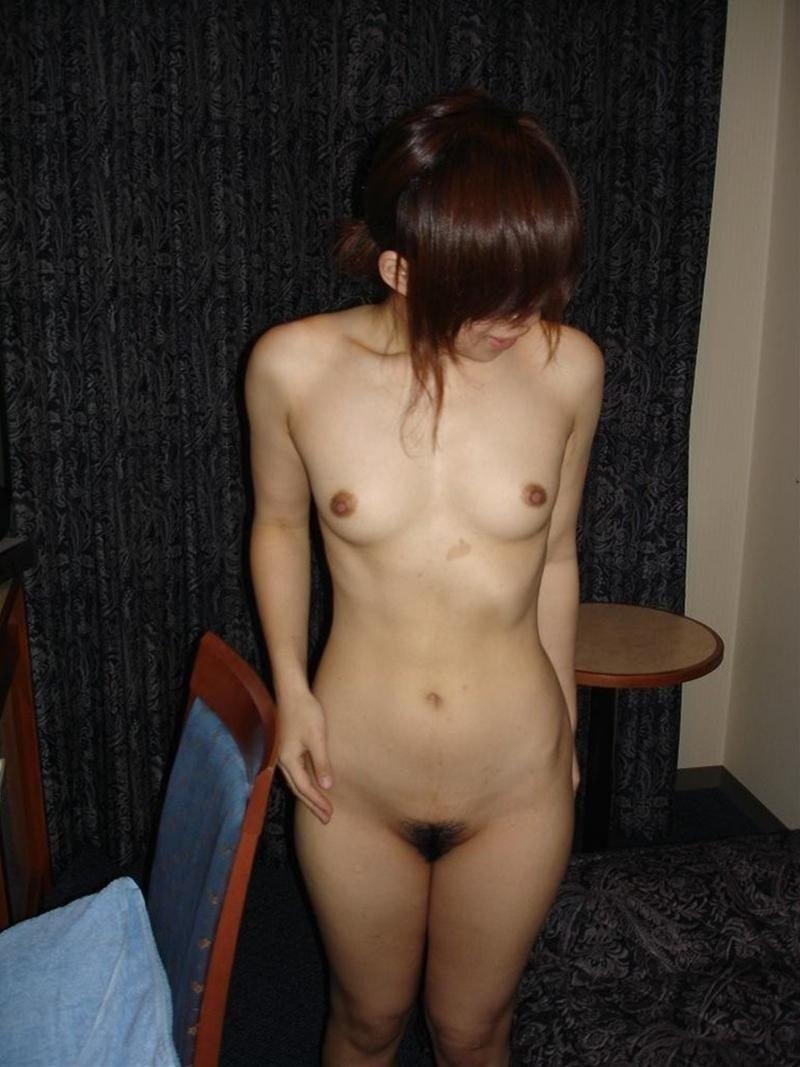 おっぱいが小さい貧乳女性 (10)