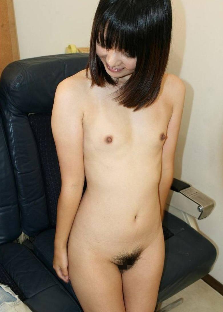 おっぱいが小さい貧乳女性 (3)