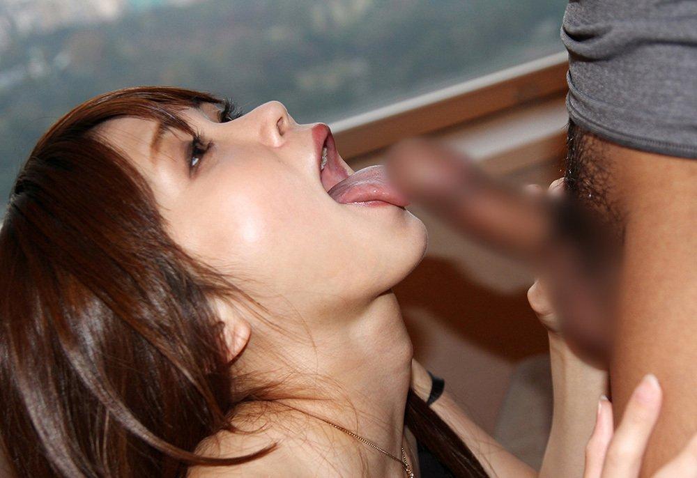 ねっとりフェラする女性 (3)