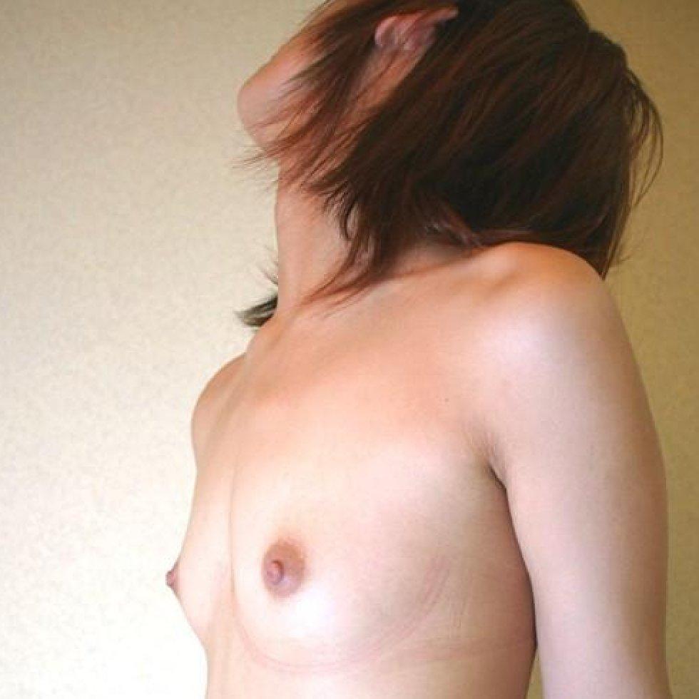横から見た貧乳や微乳 (1)