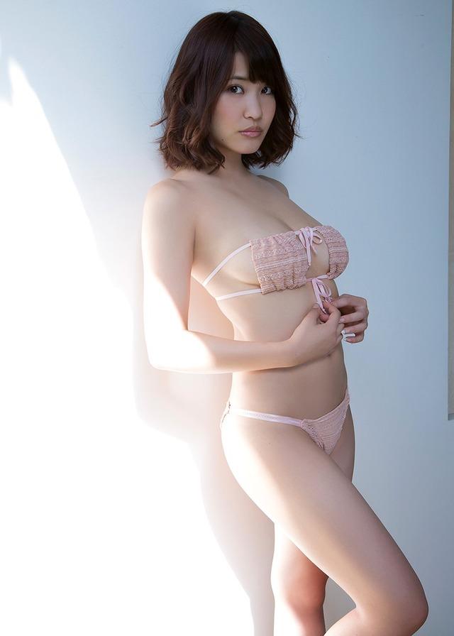 グラビアアイドルの眼帯ビキニ (2)