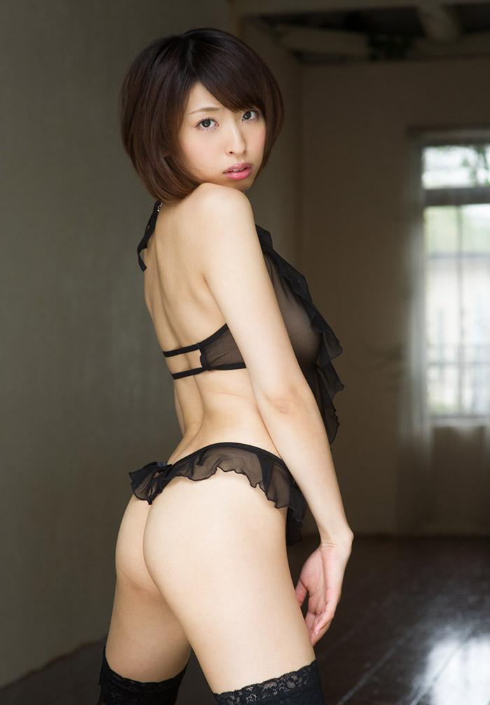 美尻を見せまくる美女たち (5)