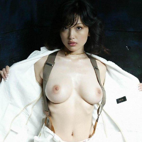 美巨乳の美女 (1)