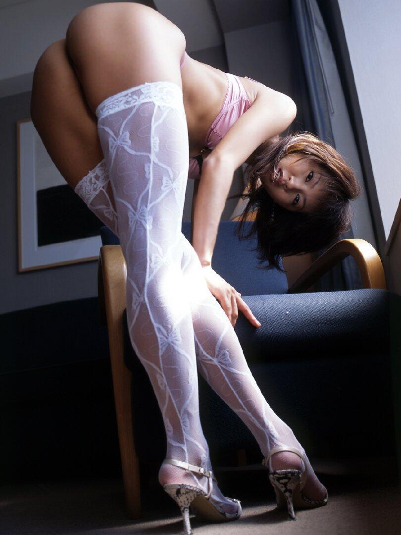美尻を披露する美女 (4)