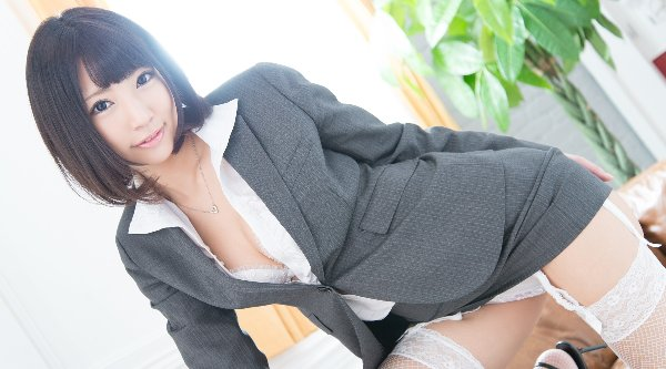 ガーターベルトを穿いた女性 (9)