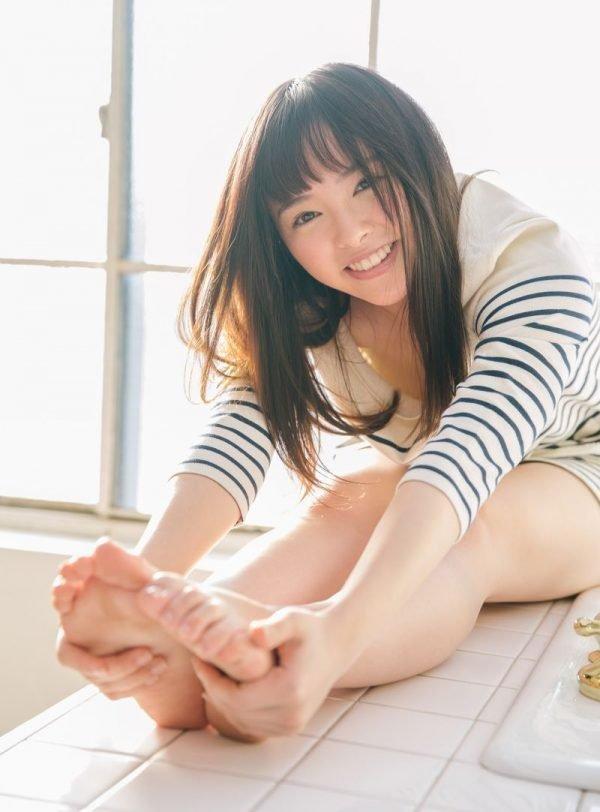 可愛い笑顔で濃厚SEX、小倉由菜 (2)