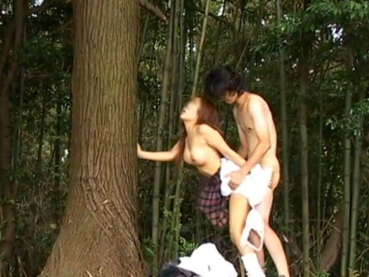 野外セックスが趣味のカップル (6)