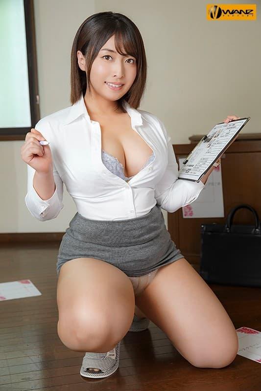 巨乳の美人奥様が過激なSEX、篠崎かんな (5)