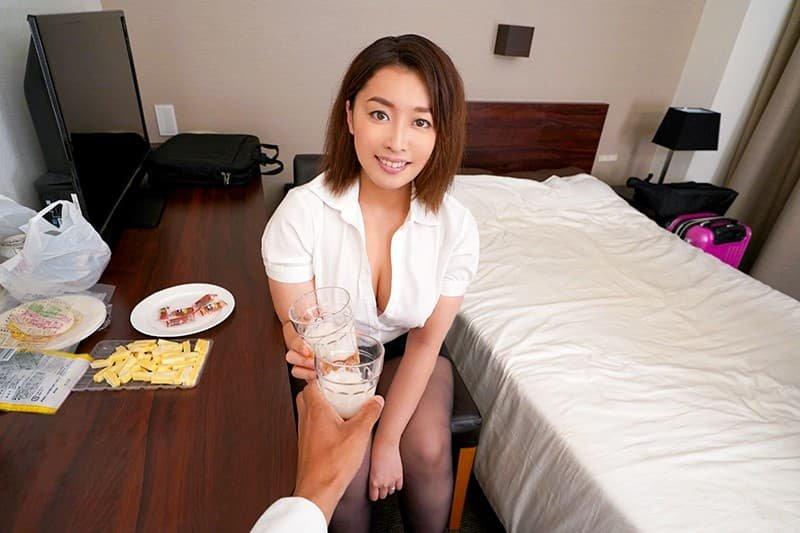 巨乳の美人奥様が過激なSEX、篠崎かんな (19)