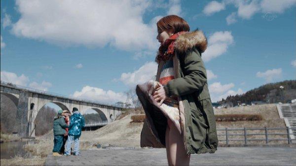 女優のパンチラ場面 (8)