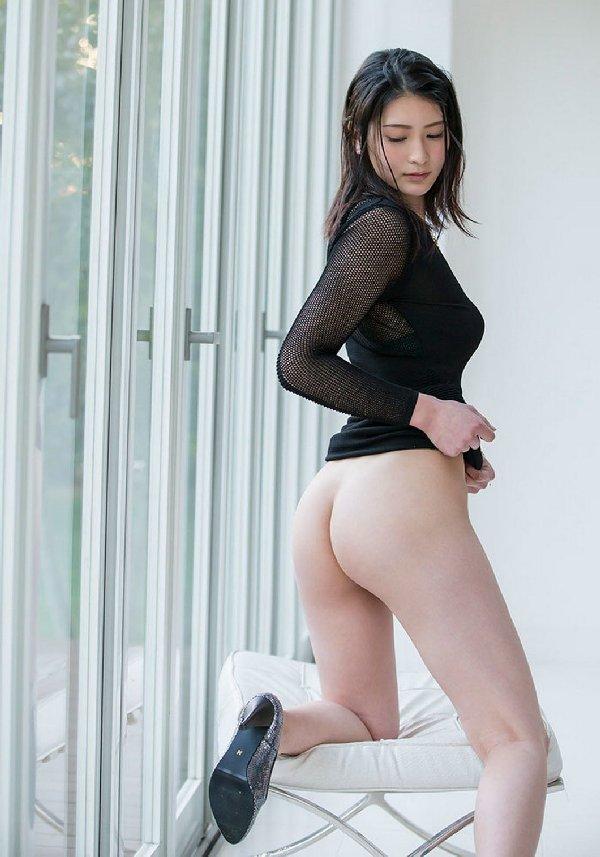 美尻女性のバックショット (15)