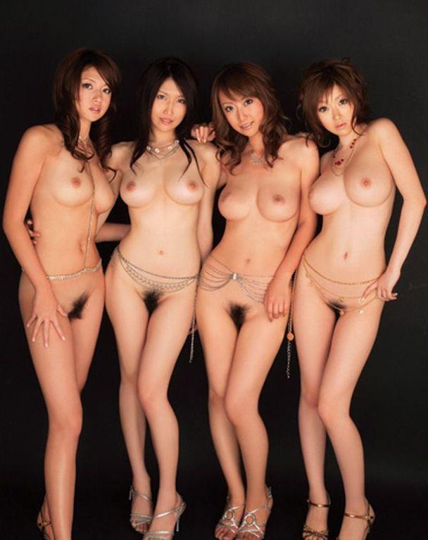 全裸美人の集合写真 (8)