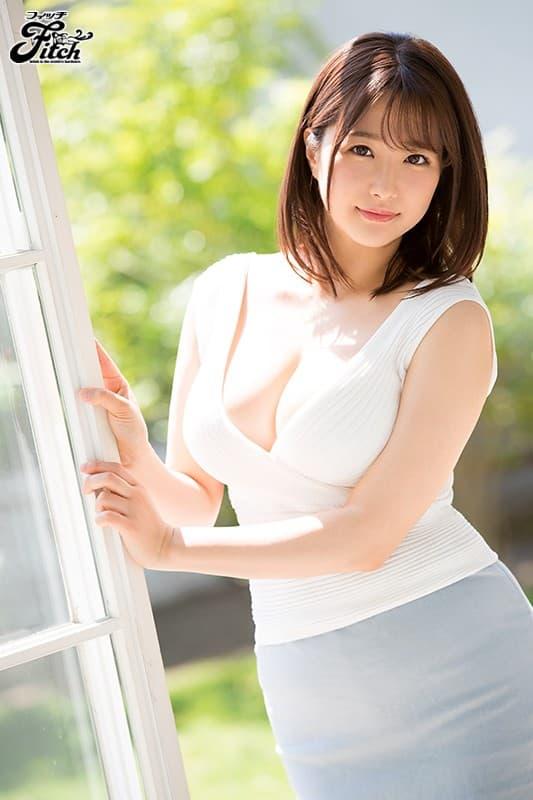 巨乳女子アナの淫乱SEX、流田みな実 (2)