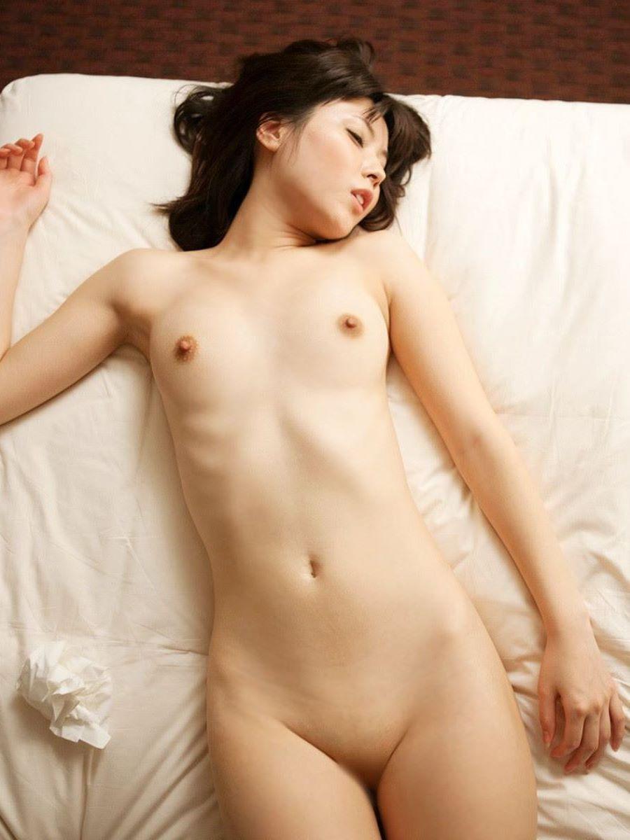 パイパン貧乳の美少女ヌード (12)