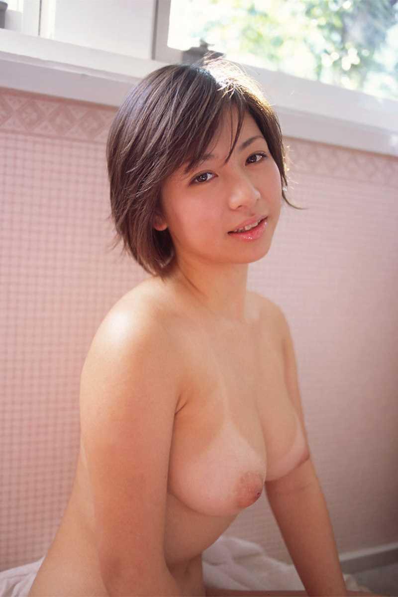日焼け跡がエッチな裸 (13)