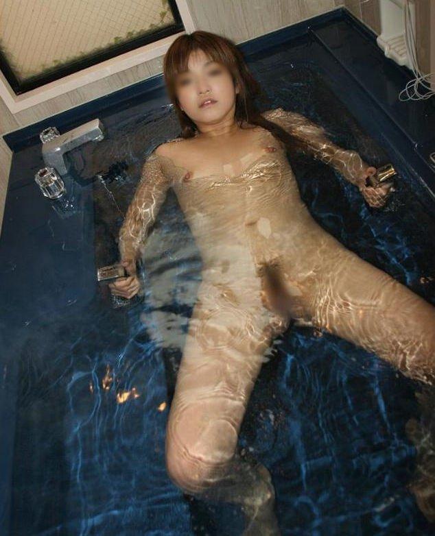 入浴中の素人ヌード (13)