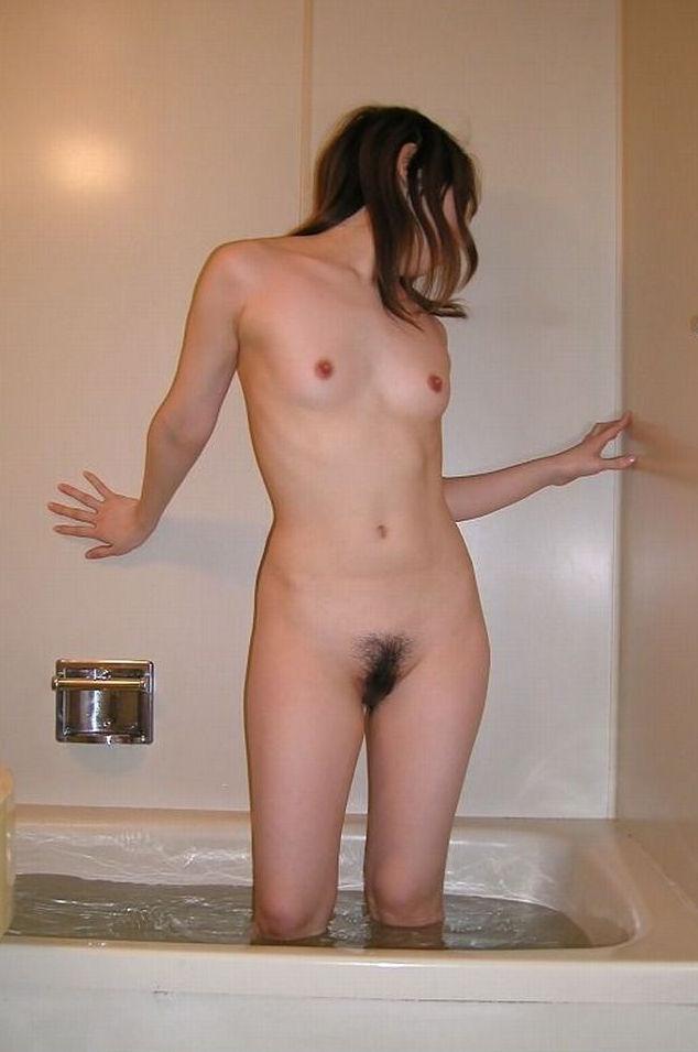 入浴中の素人ヌード (15)