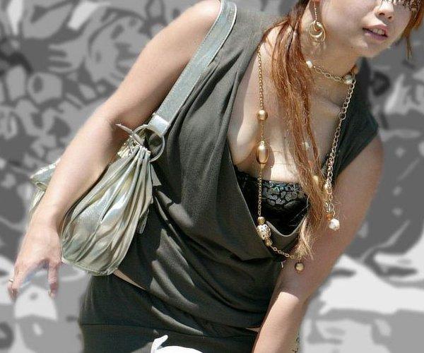 着衣巨乳の迫力おっぱい (3)