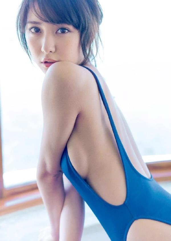 アイドルや女優の横乳 (11)